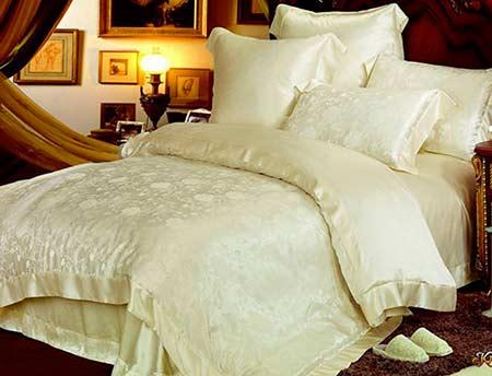 Батистовый спальный комплект